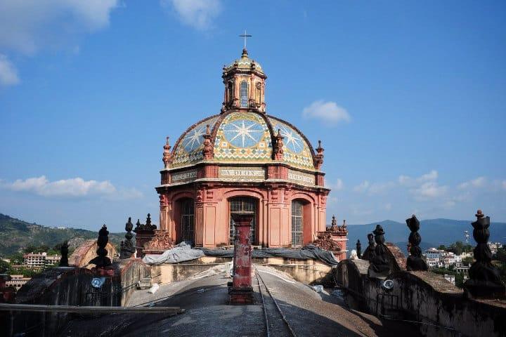 Curiosidades de la Parroquia Santa Prisca en Taxco. Foto. Carta de México.1