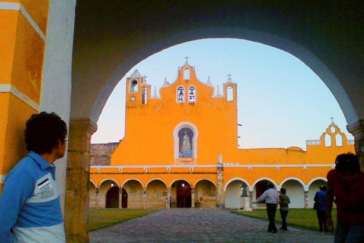 Izamal Pueblo Mágico. Imagen. Jesus Flores. 1