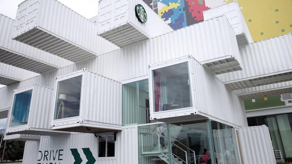 Starbuckshecho por contenedores reciclados