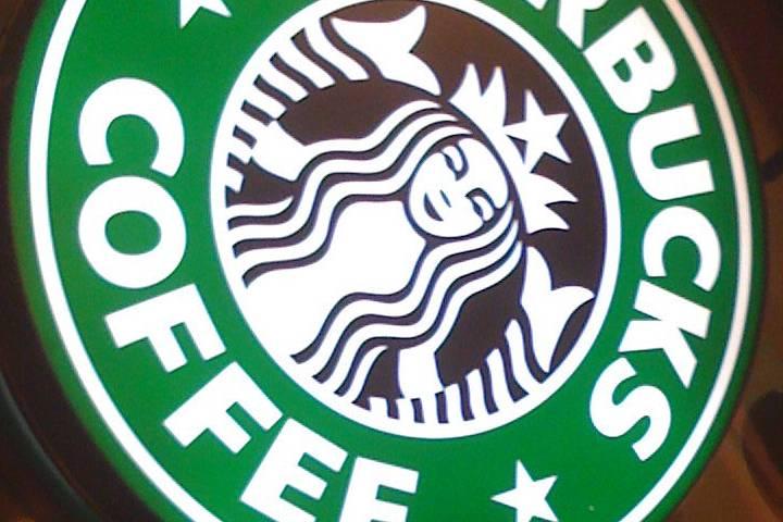 Starbucks hecho con contenedores reciclados