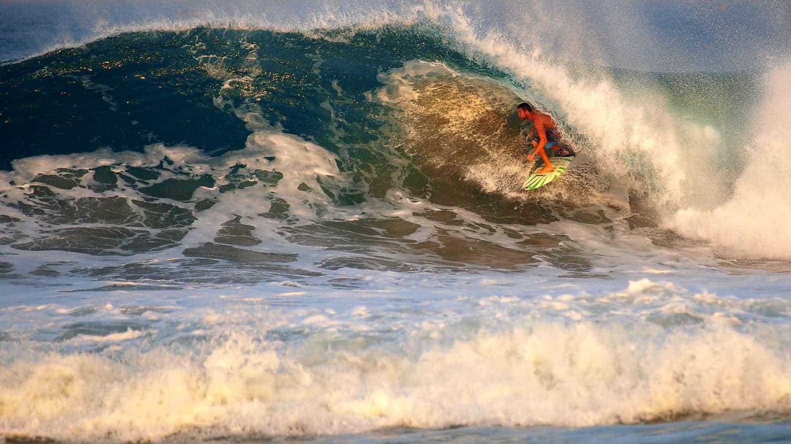 portada Playa Zicatela Oaxaca Foto Bryce Bradford