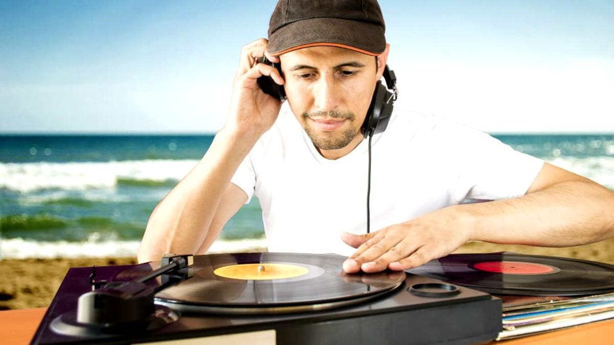 portada-Viajes-musicales-Sound-Travel-Foto-Archivo-5