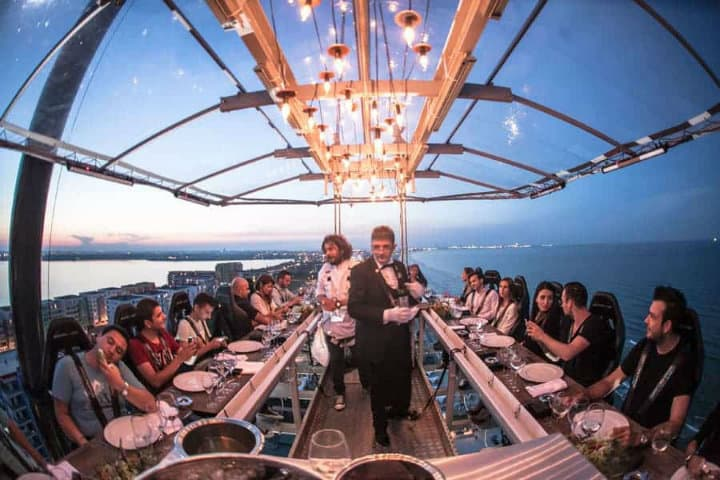 dinner in the sky atenas