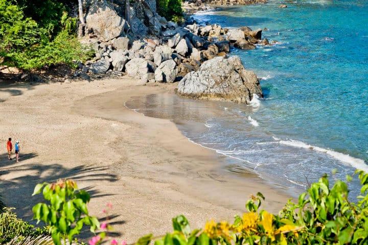 playa los muertos sayulita