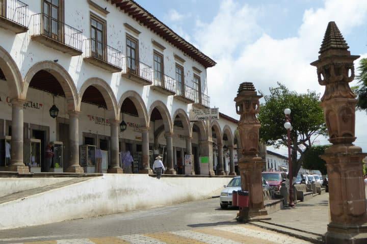 plaza de armas tacambaro