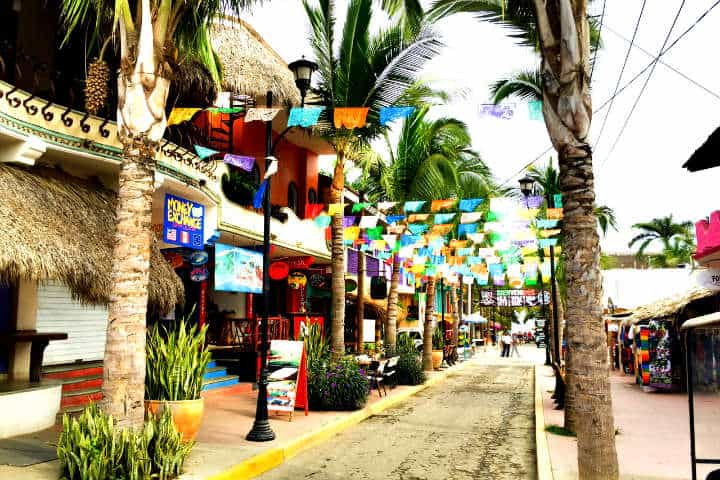 Dónde comer en Sayulita Foto Zooming way out