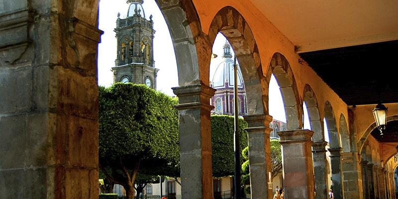 Construcciones en el centro de Salamanca Guanajuato. Foto: Travel Report