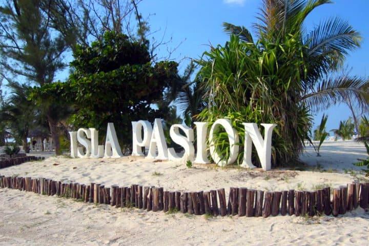 isla pasion holbox