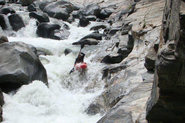 Kayak en una expedición de Ola Verde. Foto Ola Verde Blogspot