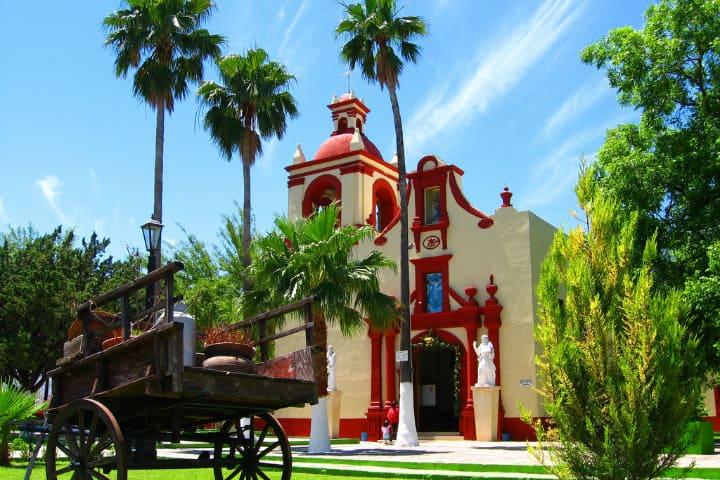 parroquia san miguel arcangel bustamante: cosas que hacer en Bustamante nuevo león