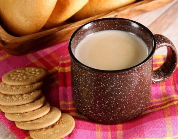 Bebidas calientes para le frío. Atole de galleta. Foto: Queapetito