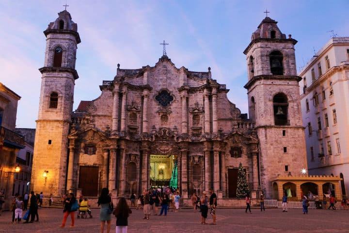 plaza de la catedral cuba