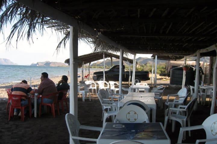 restaurante vista al mar loreto