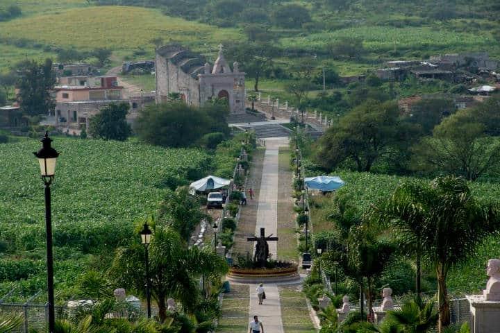 Calzada de los martires, Santa Ana de Guadalupe. Foto Jalteño ( Altos de Jalisco)