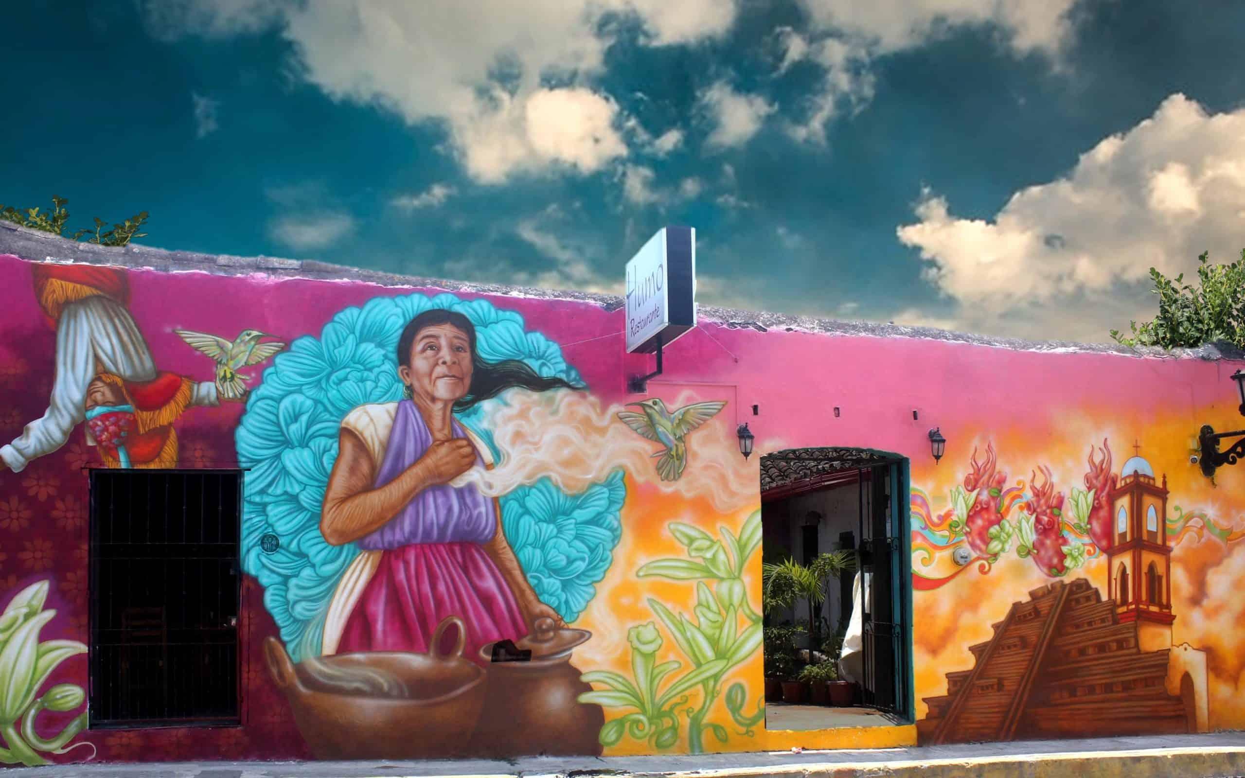 Murales en Papantla Veracruz. Foto: Pepe Martínez