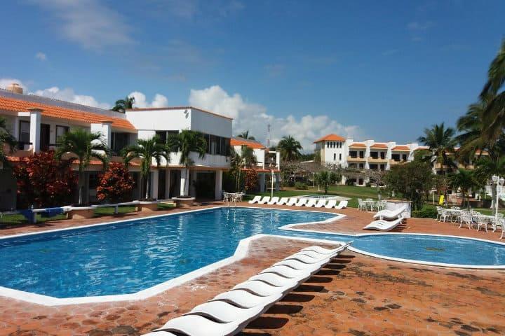 donde hospedarse en costa esmeralda hotel torre molino