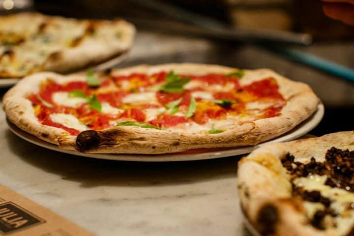 la mejor pizza en bogotá julia pizzería