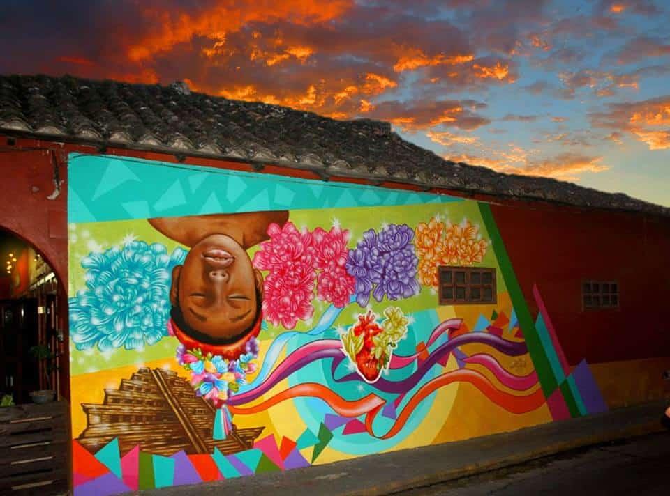 Murales en Papantla. Foto: Pepe Martinez