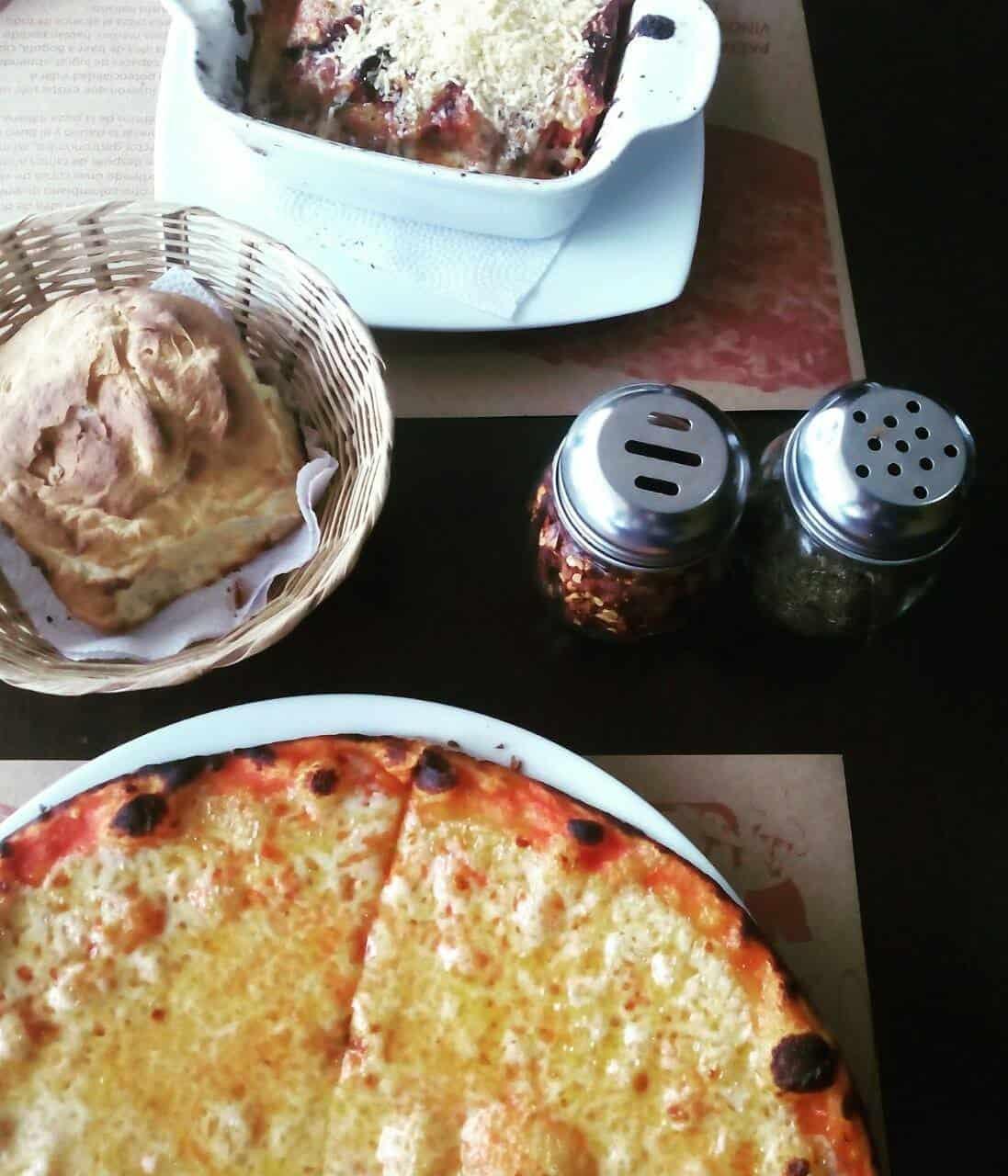 Restaurante de pizza en Bogotá Colombia. Foto:  Vegetarianoenbogotablog