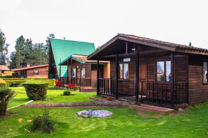 donde hospedarse en santa clara del cobre zirahuen forest & resort