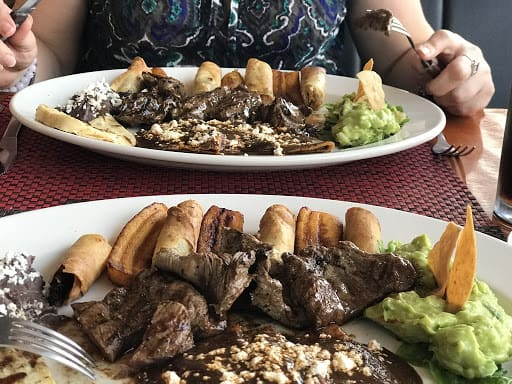 Comida en Papantla, Veracruz. Foto: Restaurante Totonaco