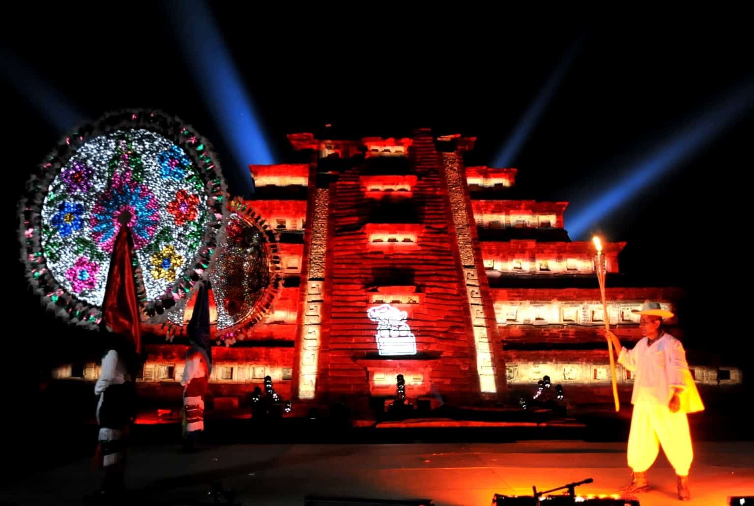 Ferias y Fiestas en Papantla Veracruz. Cumbre Tajín. Foto: Voto en Blanco