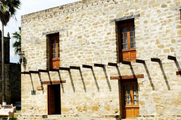Casa de las columnas. Foto Secretaría de Turismo de México
