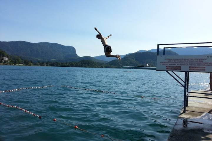 Lago bled.Nadar. Foto
