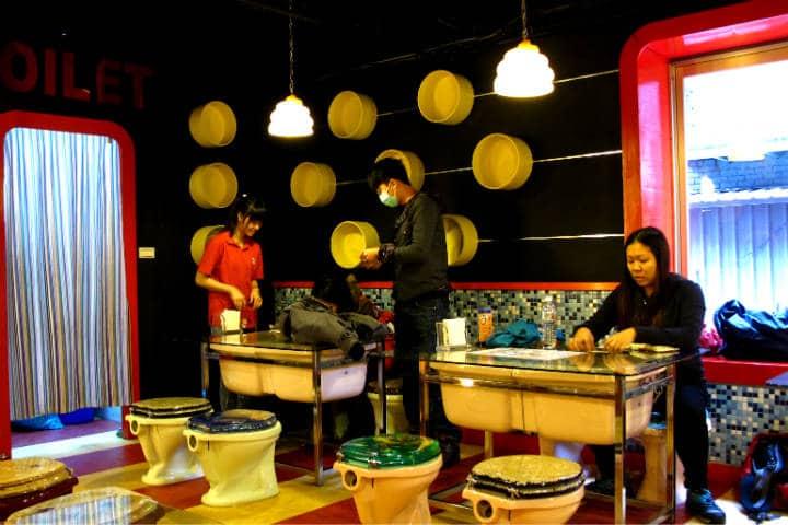 Modern Toilet Restaurant Foto eazytraveler