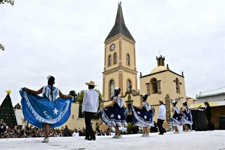 Tradiciones en el pueblo mágico. Foto Mier Vive y Crece