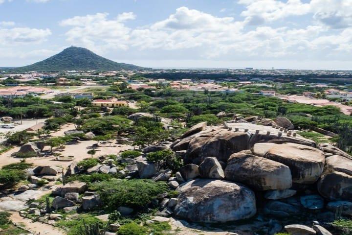 Casibari y sus paijaes rocoso enamoran la vista de sus visitantes Foto: Aruba