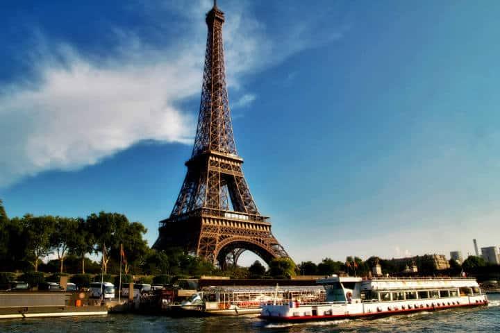Rooftopping en Torre Eiffel Foto Artur Staszewski