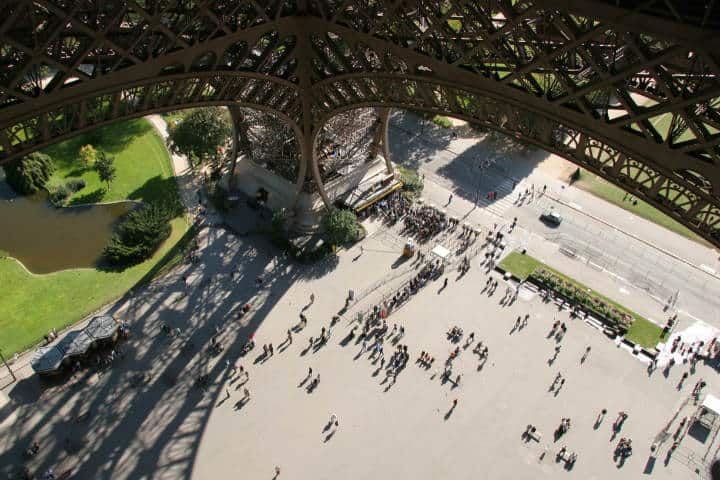 Rooftopping en Torre Eiffel Foto Chris Wall
