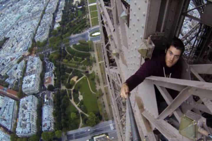 Rooftopping en Torre Eiffel Foto Conectica