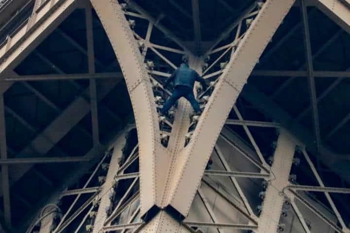 Rooftopping en Torre Eiffel Foto Cubasi