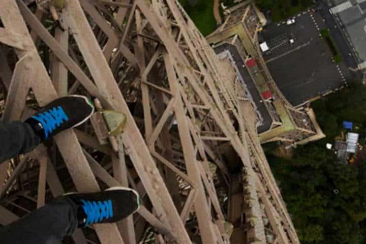 Rooftopping en Torre Eiffel Foto Upscl