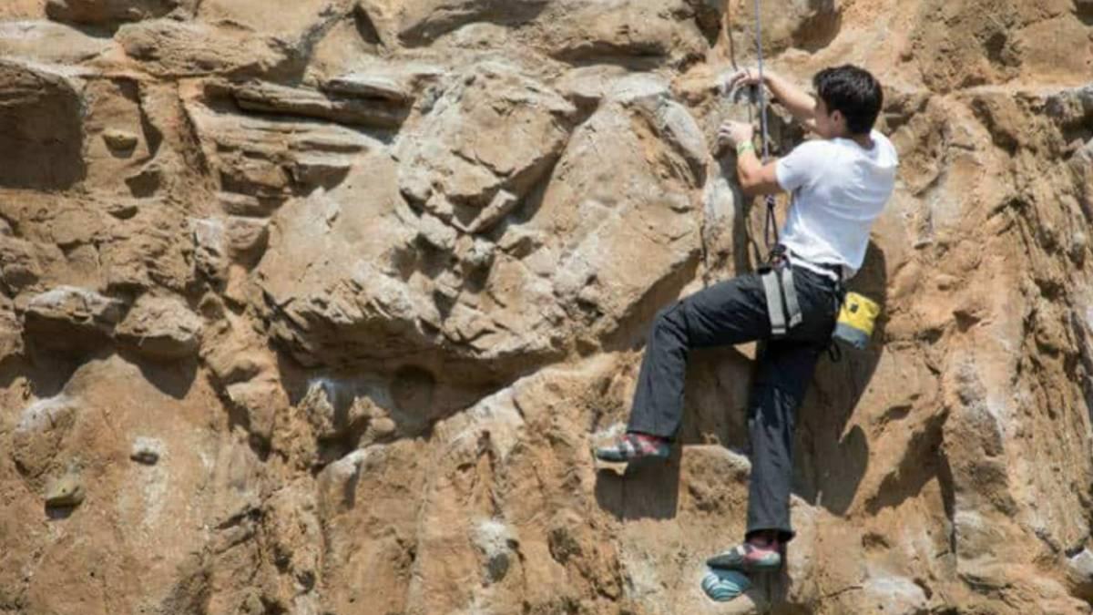Escalada en roca en la CDMX. Foto The Muro El Reto