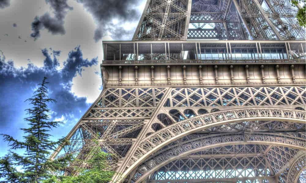 portada Rooftopping en Torre Eiffel Foto Nicki dugan