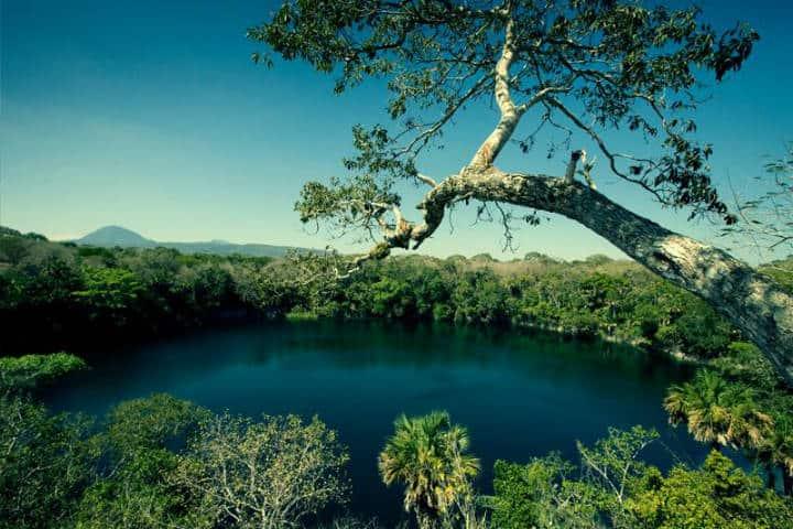 Cenote El Zacatón. Foto Pablo Solis
