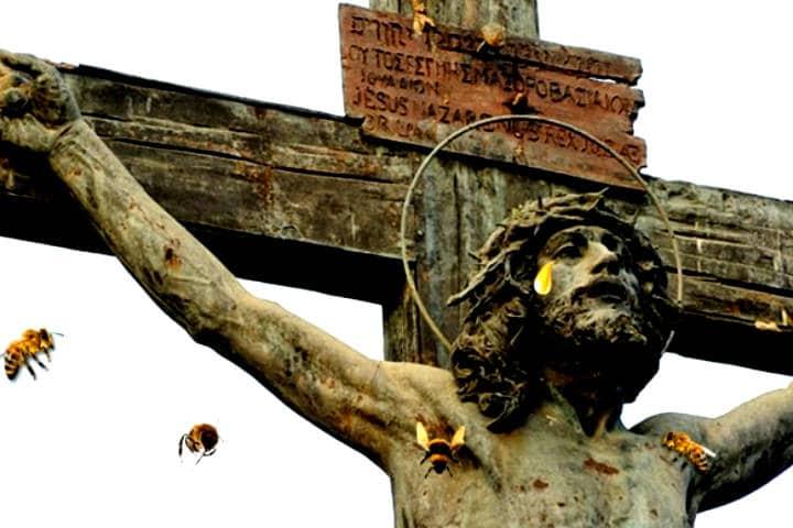 Cristo llora miel Foto Sevilla secreta