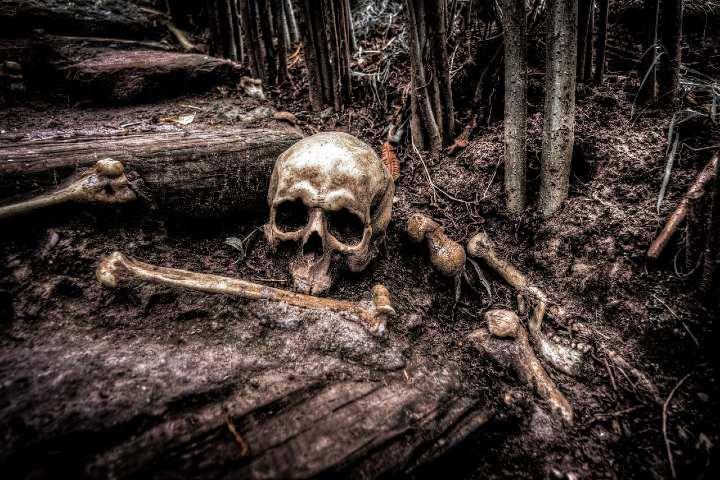 Cuevas Repletas de huesos humanos. Foto Pixabay.