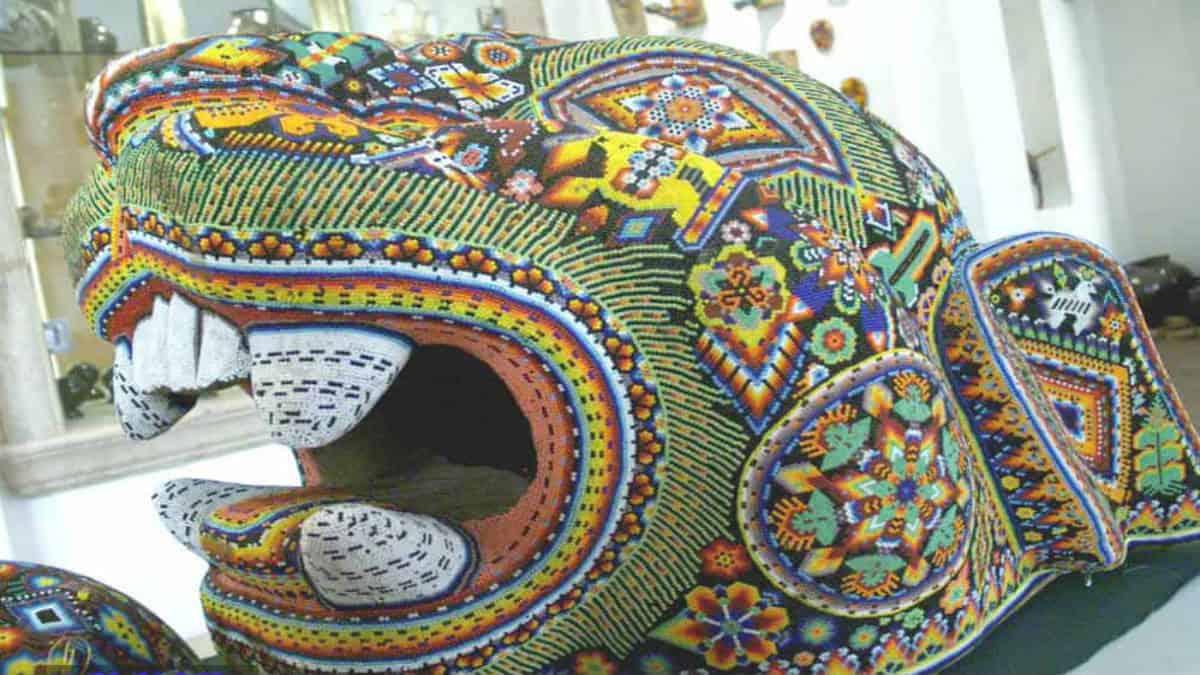 Exposición arte huichol en París. Foto: Wikipedia