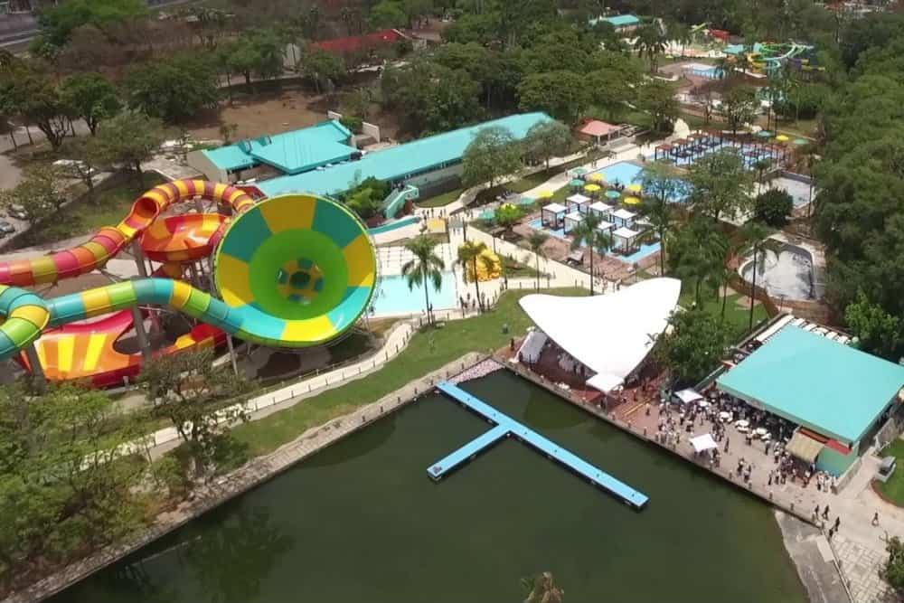 Six Flags Hurricane Harbor Foto. Six Flags
