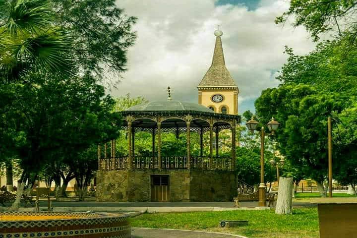Plaza de Armas, Mier. Foto Ciudad Victoria Tamps