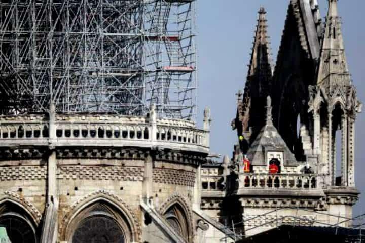 Reconstrucción de Notre Dame Francia. Foto 20 minutos