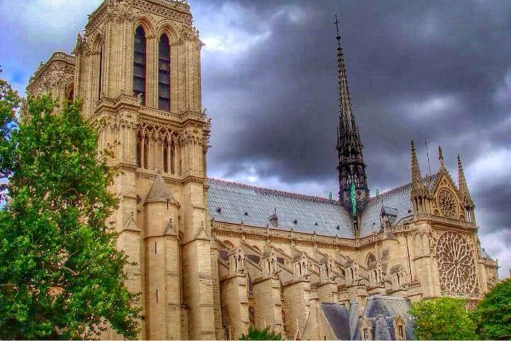 Reconstrucción de Notre Dame Francia Foto Alyssa Black