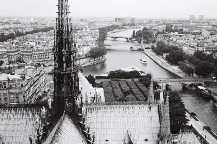 Reconstrucción de Notre Dame Francia Francois Karm