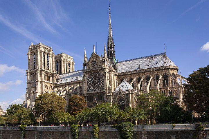 Reconstrucción de Notre Dame. Foto Ian Kelsall.