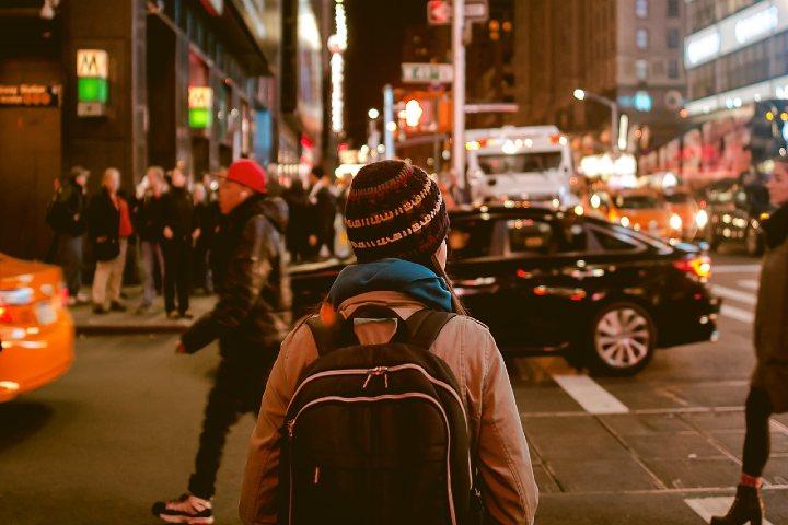 Una travesía de mochilazo. Foto Pixabay.