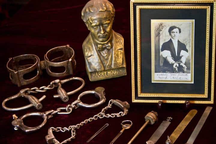 houdini-museum-herald-square-manhattan-nyc-houdini_display__large